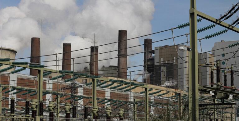 CO2-Ausstoß deutscher Fabriken sinkt
