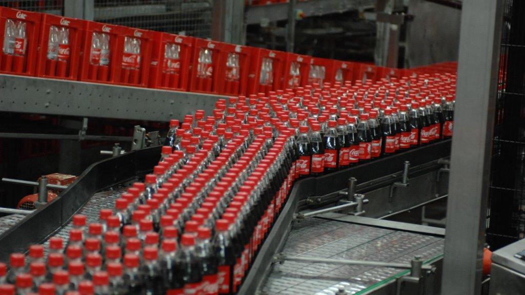 Cola und Fanta aus Recycling-PET-Flaschen