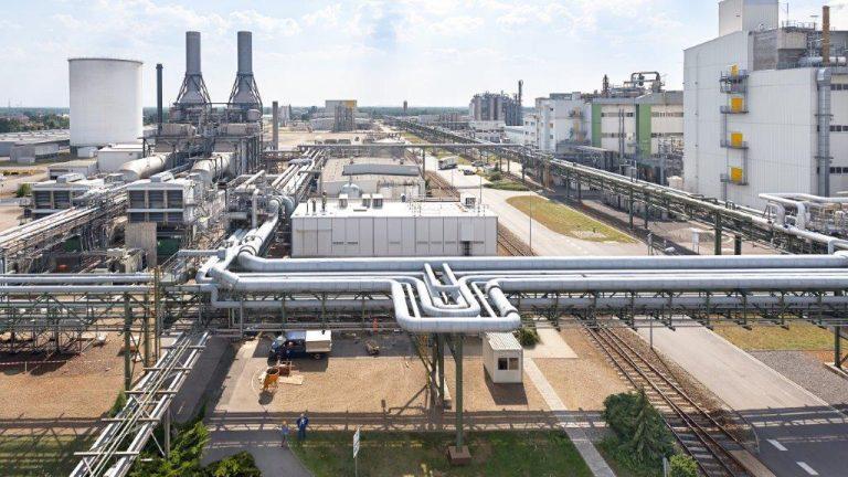 Chemisches Recycling: Kunststoff- und Chemieindustrie verlangen mehr Forschungsförderung